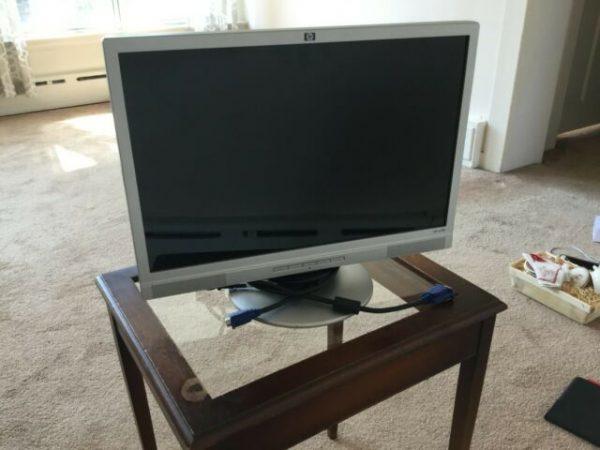 s l640 600x450 - مانیتور 19 اینچ LCD واید HP W19استوک