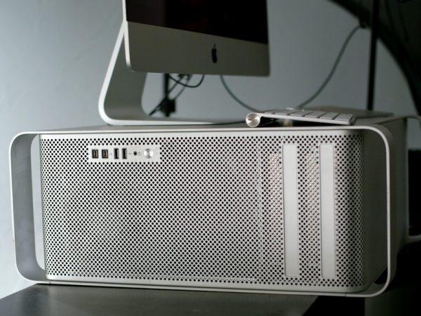 old mac pro side hero 600x450 - کیس ورک استیشن اپل Apple Mac Workstation Pro 4.1